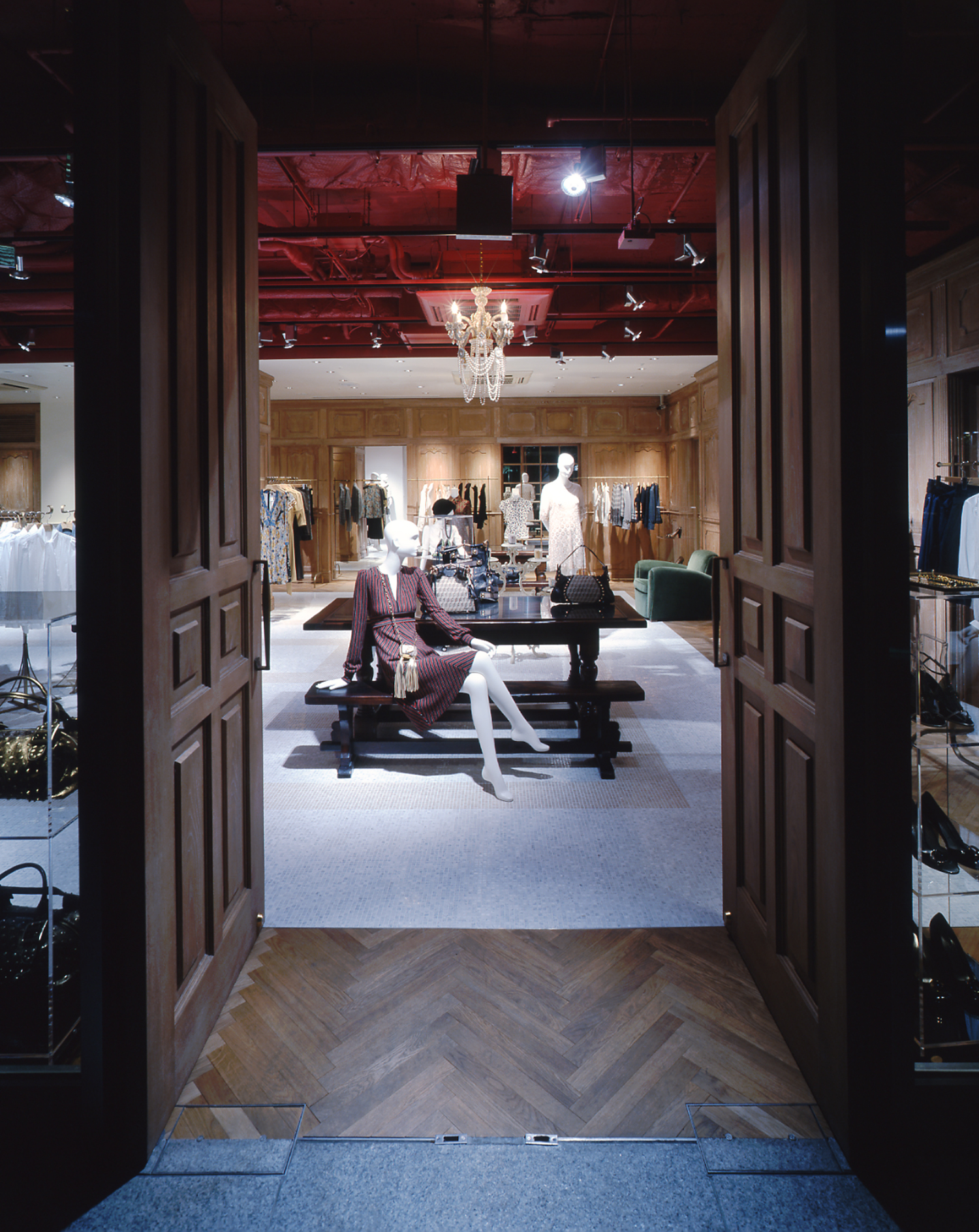 EPOCA THE SHOP MARUNOUCHI_02